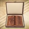 Ajándék 100. születésnapi fakönyv díszdobozban Mívesfa