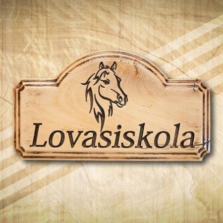 Lovasiskola egyedi cégtábla