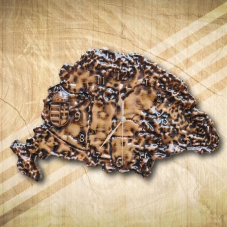 nagy Magyarország falióra antikolt, fényes felülettel