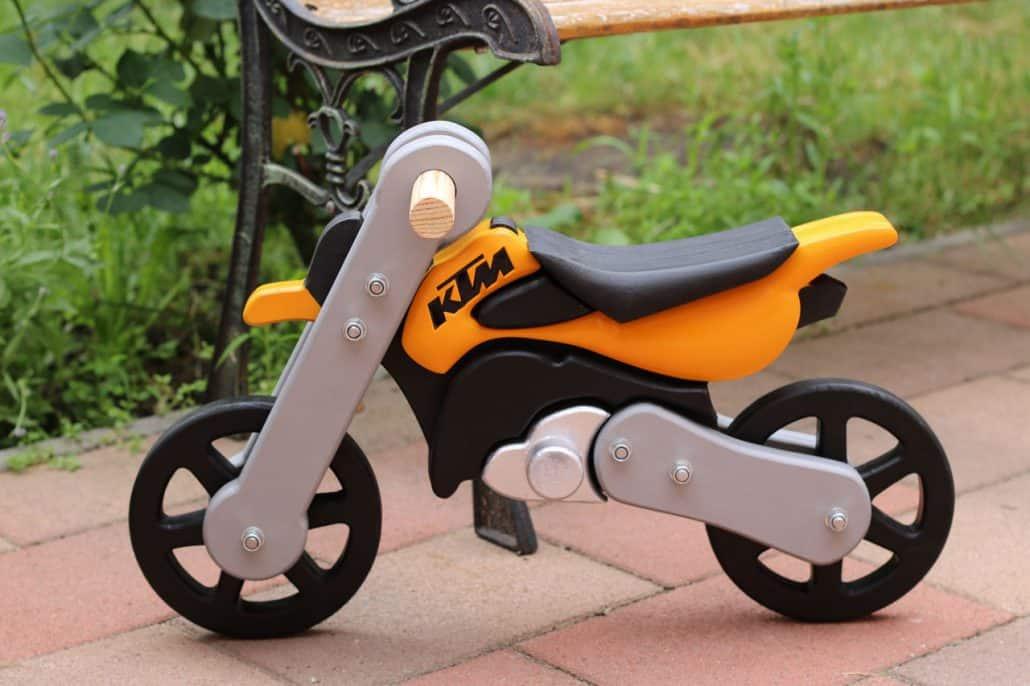 KTM kismotor fából