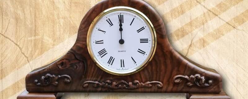 Mívesfa különleges asztali órák