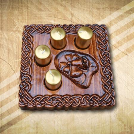 Adventi asztaldísz arany gyertyával