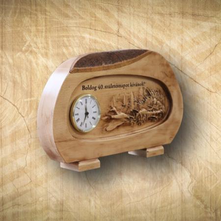 40. születésnapi asztali óra vadászjelenettel Mívesfa
