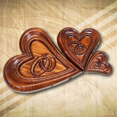 Szív gyűrűtartó fából