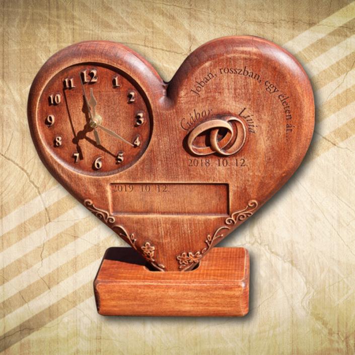 Szív fomájú asztali óra